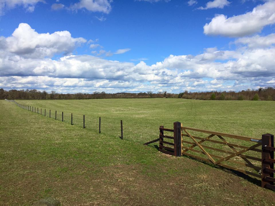 agricultural fencing contractors